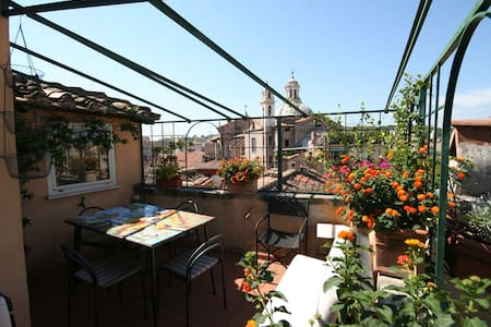 Superb terrace with view of Rome