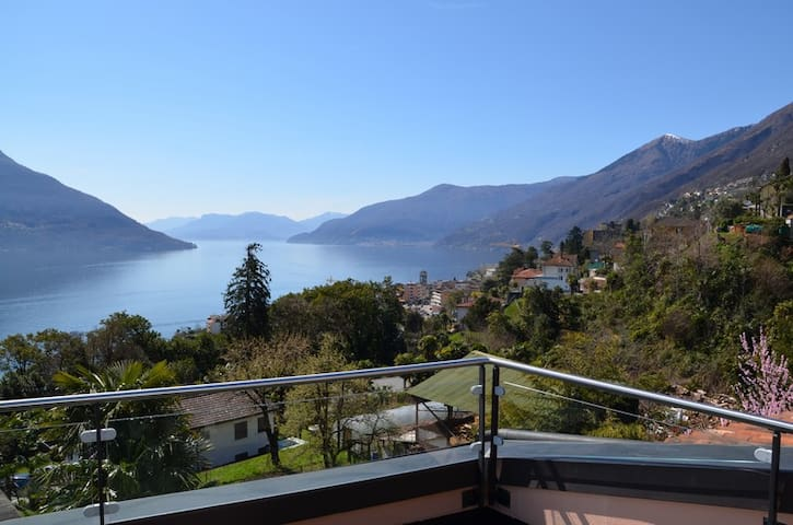 Apartment with Lake view and pool - Brissago