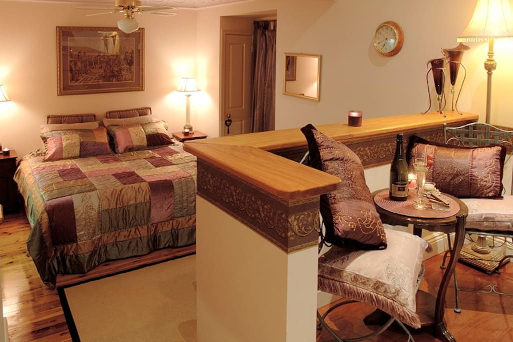 Seating  area in Queen bedroom