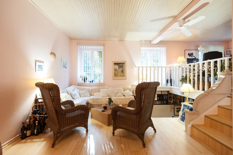 Chambre simple avec bureau appartements à louer à nice provence