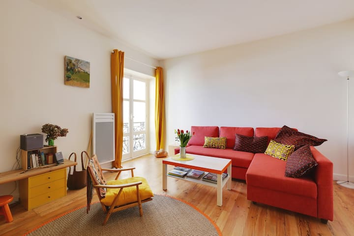 BEAUTIFUL & COLORED FLAT IN THE HEART OF BIARRITZ