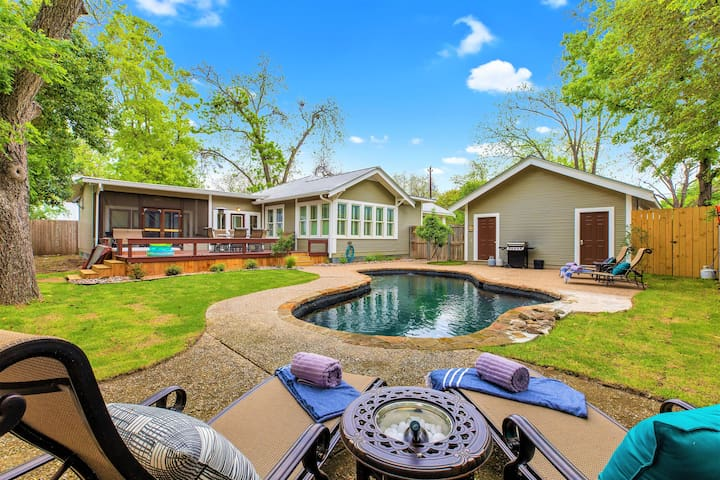 Heart of Fredericksburg w/Pool,Hot-Tub&Grill