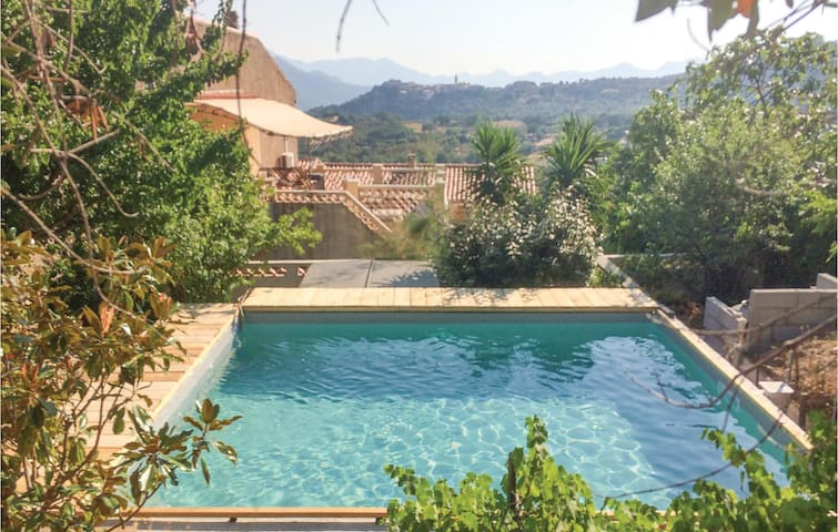 Holiday cottage with 2 bedrooms on 65m² in Montegrossu