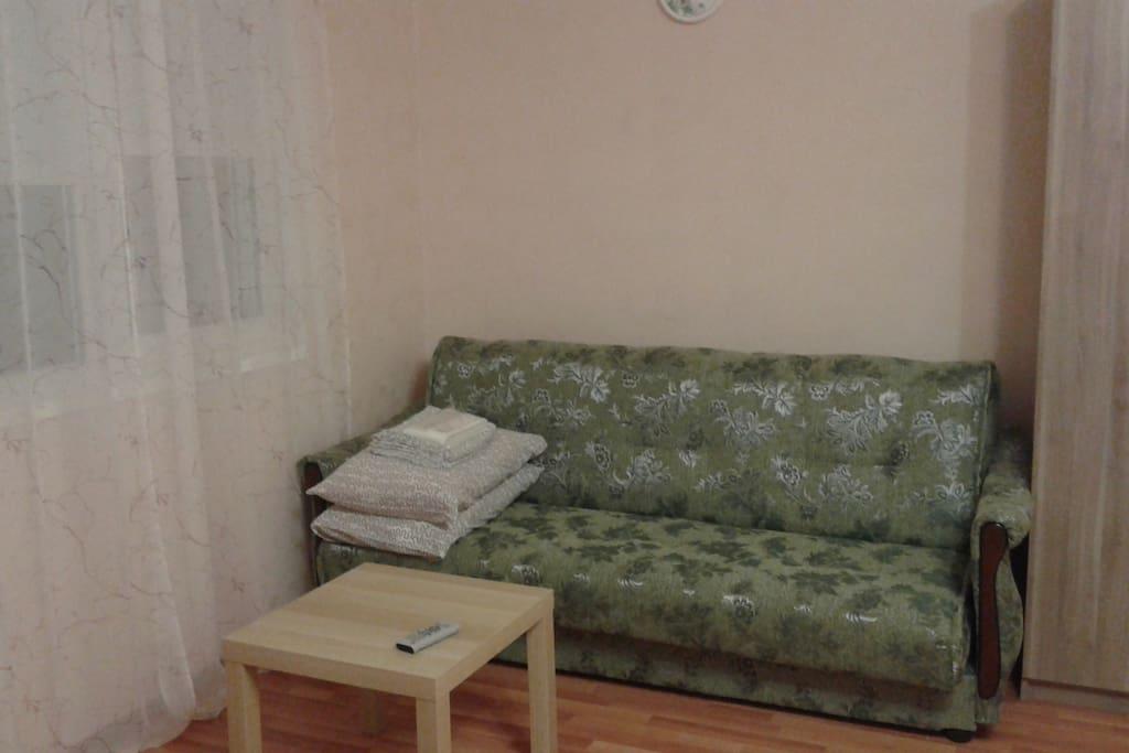раскладной двухспальный диван-кровать