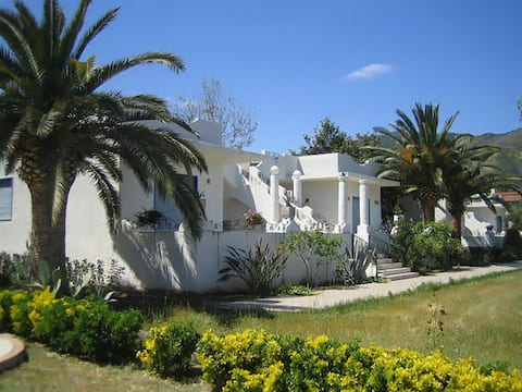 Charming Villa located just 80m from the beach!