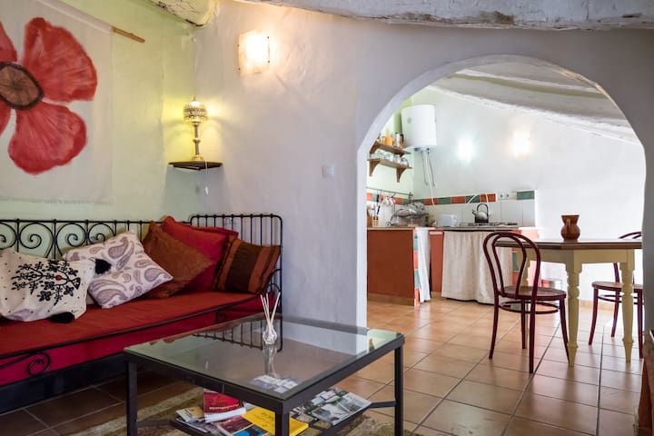 Andalucian pueblo Blanco bolt hole - Olvera - Apartment