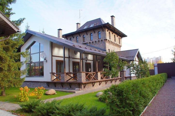 """Гостевой дом """"Турецкая башня"""" - Noginsk - Rumah"""