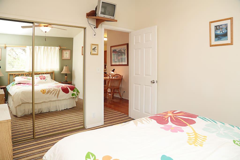 Hawaiiana themed bedroom