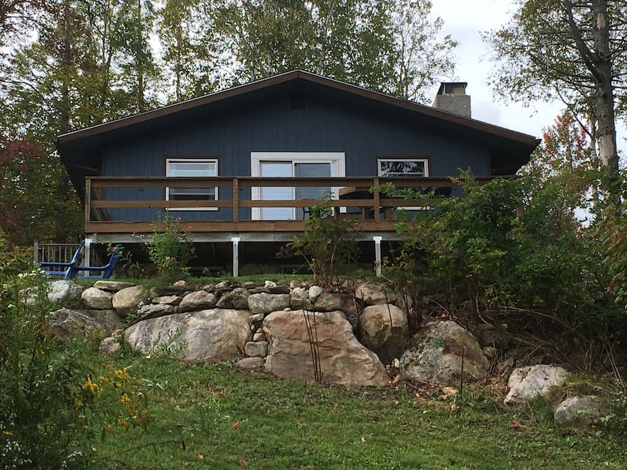 Mountaintop cabin on pond w amazing view in so vt for Vermont mountain cabins