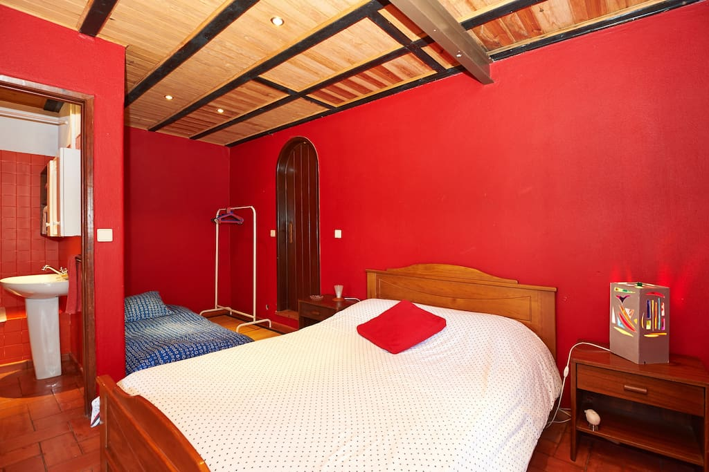 Rose Room (one double bed + Bunk bed, toilet inside with a bathtub)