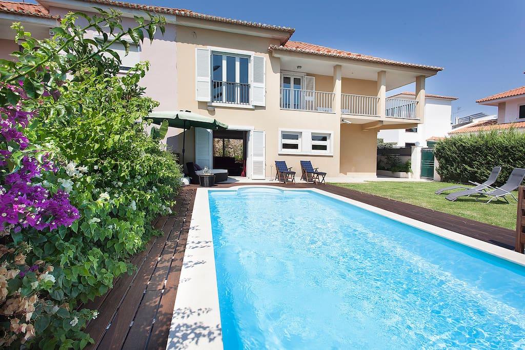 villa with pool and garden private suite maisons louer lisbonne district de lisbonne. Black Bedroom Furniture Sets. Home Design Ideas