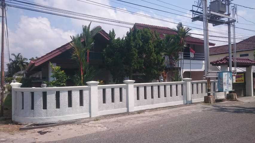 3BR Secure and Comfortable Homestay
