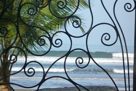 Beautiful Beachfront Hotel Catalina - Jaco