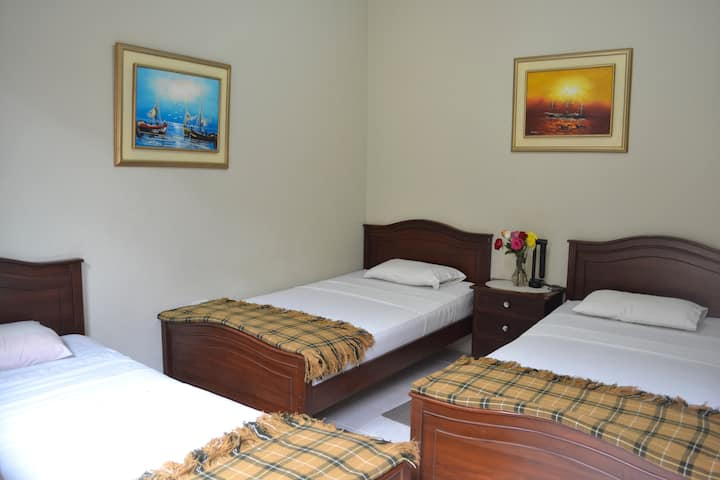 Alojamiento cómodo en Manabí-Ecuador! 2p/noche $24