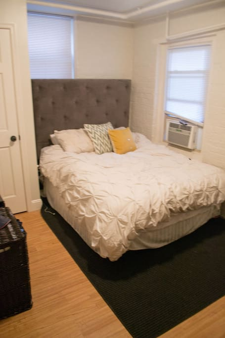 1st bedroom with queen bed, other bedroom has a full bed