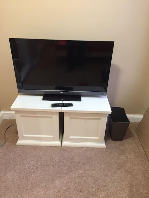 Nice big tv!