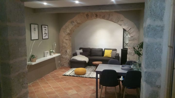 cosy, nicely decorated appartment, Aniane, France