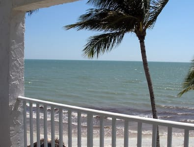 The Shores Penthouse Gulf front condo smack on bch