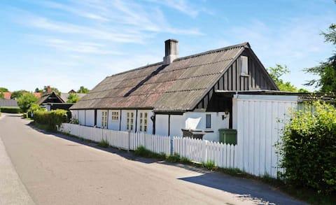 Hyggelig bindingsværkshus i Bogø By