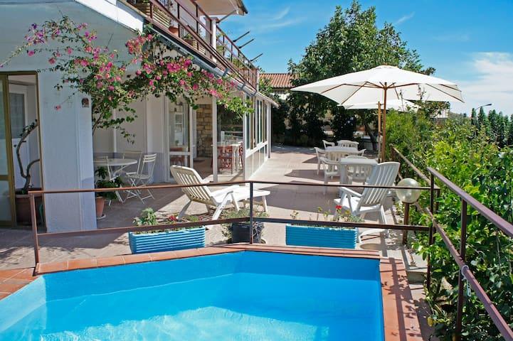 BnB TerraMare room 1. Free excursions! See listing - Montiano - Pousada