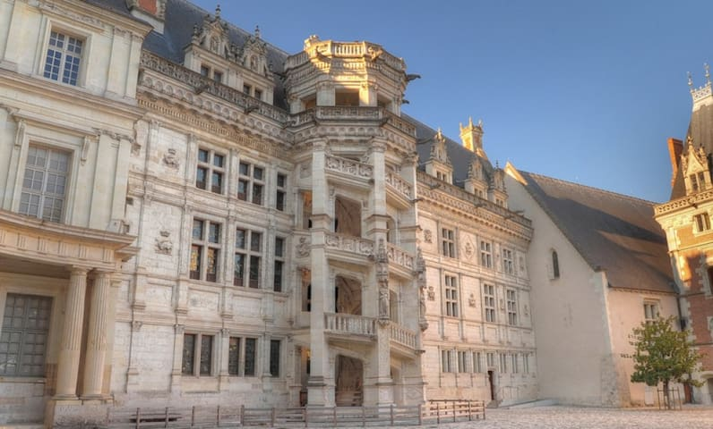 Old house near castle - Blois