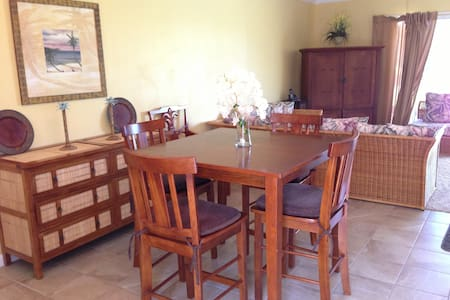 ~Lovely, Updated 800 SF Plus Condo~ - Kailua Kona - Wohnung