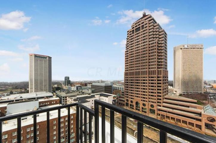 Stunning Condo in Downtown Columbus!!