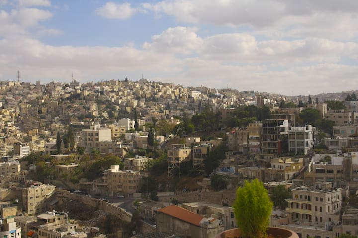 Modern apartment & an amazing view. - Amman - Apartament