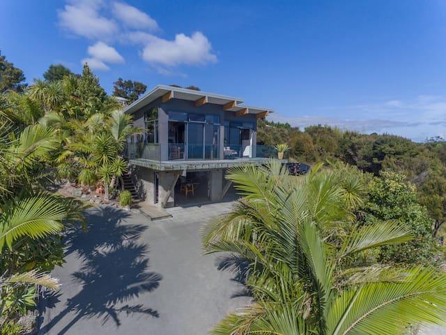 Tirohanga - Beach house @ Cable Bay