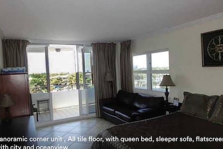 423 BEACHFRONT  STUDIO CONDO - Fort Lauderdale