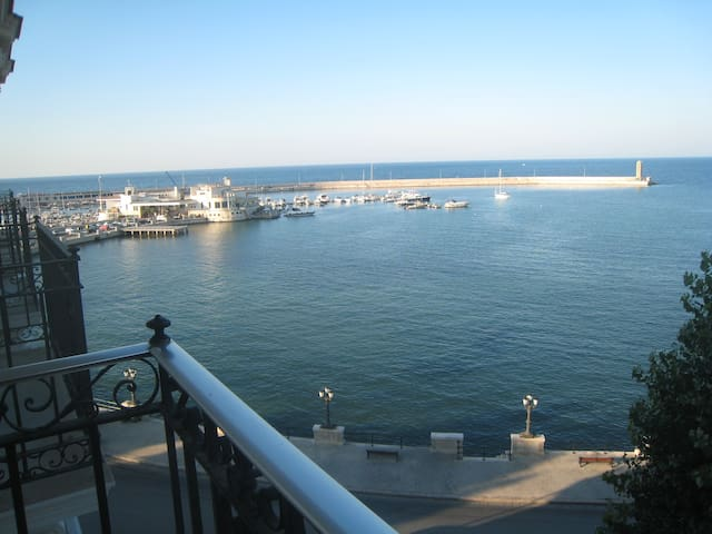 Room with sea view - Bari - Apartment