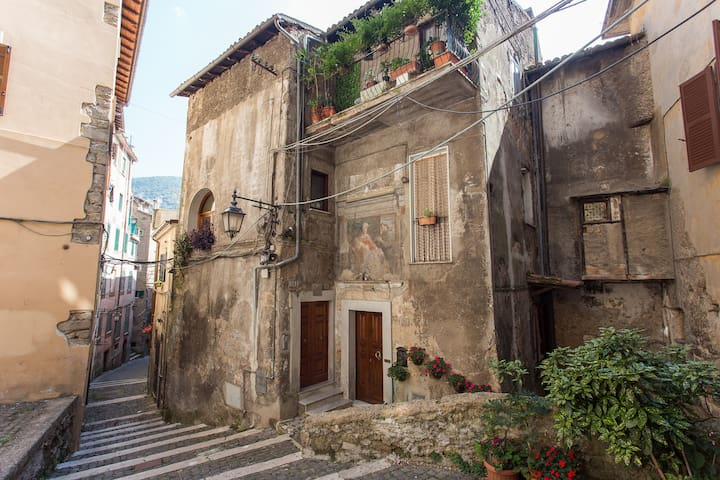Subiaco: i borghi + belli d'Italia - Subiaco - Appartement