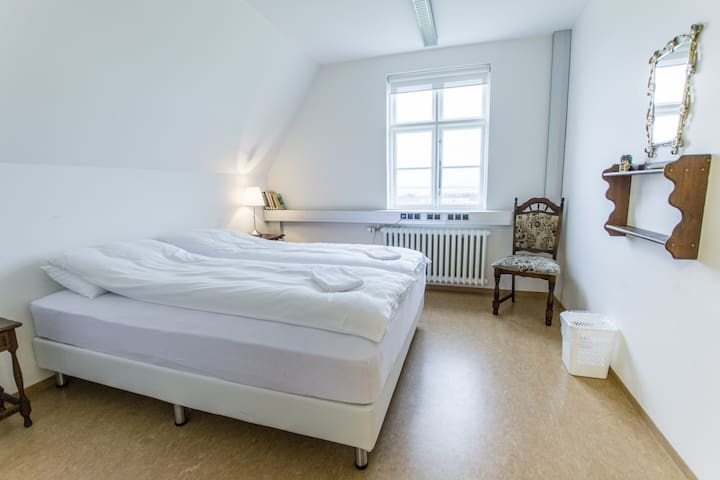 Great Cozy And Bright Double Bed Room - Laugarvatn - House
