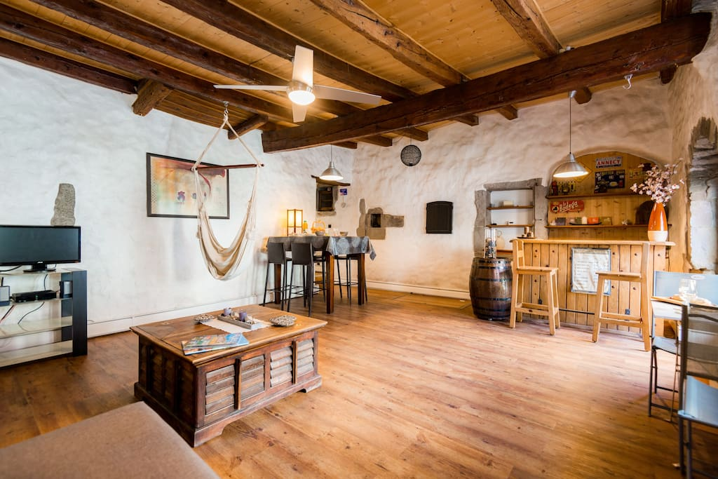 Le thiou paradise annecy appartements louer annecy for Chambre a louer annecy