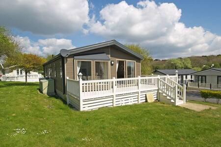 Luxury Lodge on 5 * Shorefield Park