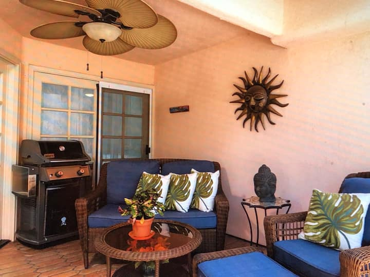 Resort style condo in beautiful  Palm Springs