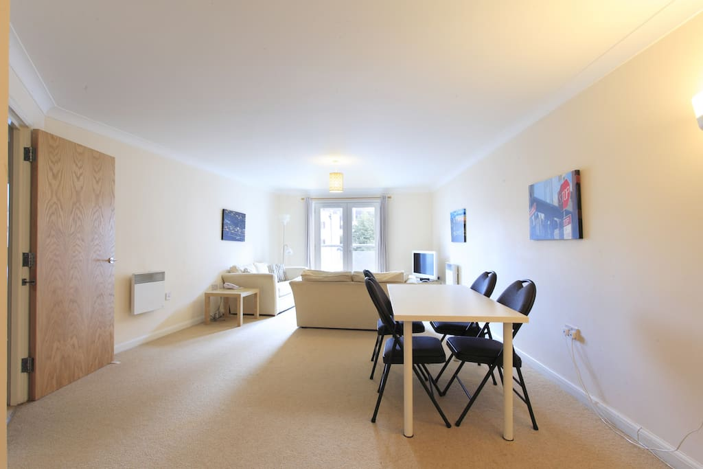 Apartment 4 - Spacious With Dining Facilities