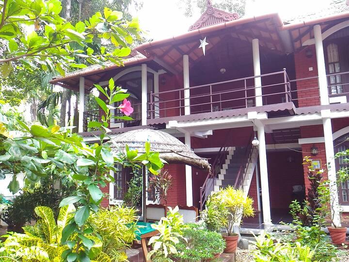 Bamboo Lagoon Double Bed facing Vembanad Lake