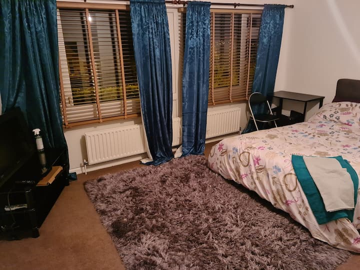 Spacious yet Cosy Bedsit