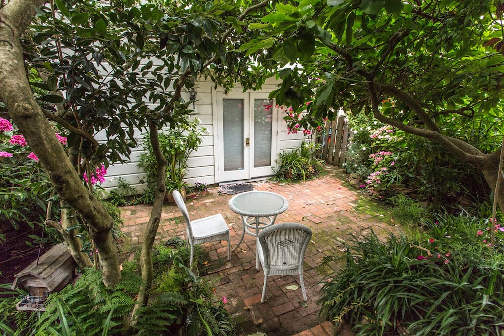 Private Entrance & Beautiful Garden