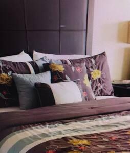 luxury rooms - 努奥罗 - Apartamento
