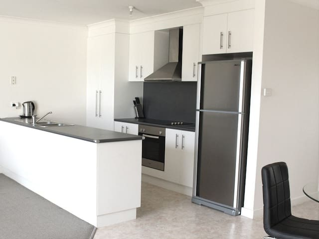 Ba Da Bling! Modern comfort. - Launceston  - Apartament