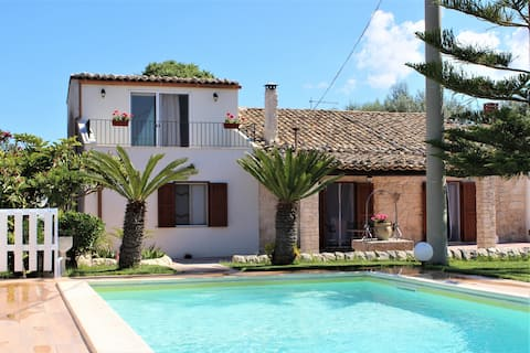Villa Clara with pool