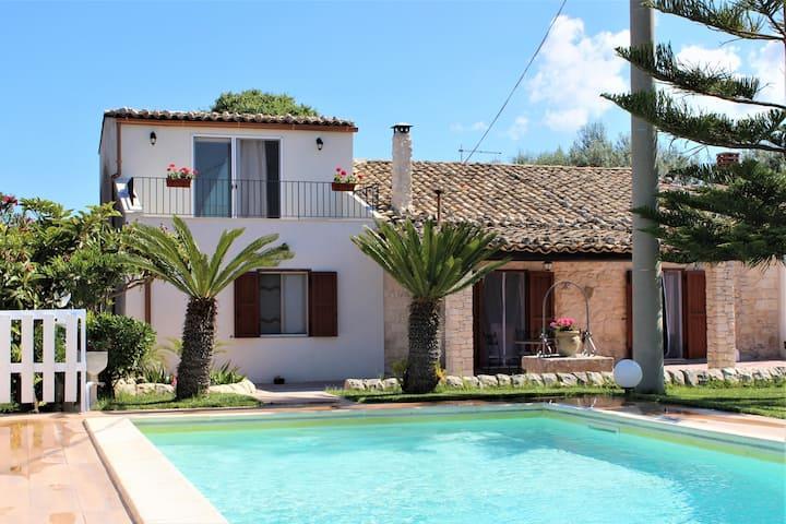 Villa Clara con piscina