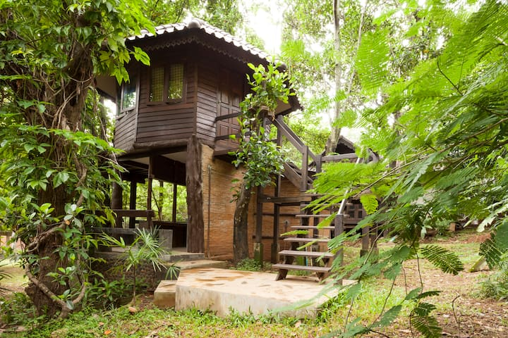 Tree House 10 mins drive fr center  - Mueang Chiang Mai - Trädhus
