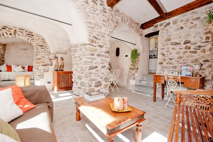 North Tuscany, dreamy stone retreat near 5 Terre - Fornoli - Misafir suiti