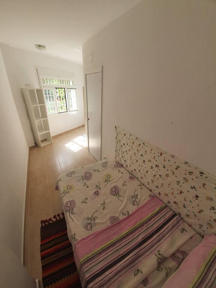Habitación Privada en el Centro de Fuengirola!
