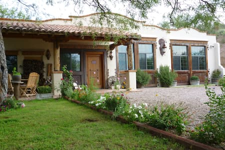 JTK Sonoita Canyon Ranch (w/ sumptuous breakfast!) - Patagonia - Villa