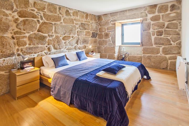 Bedroom 2 (bed size 160x200)