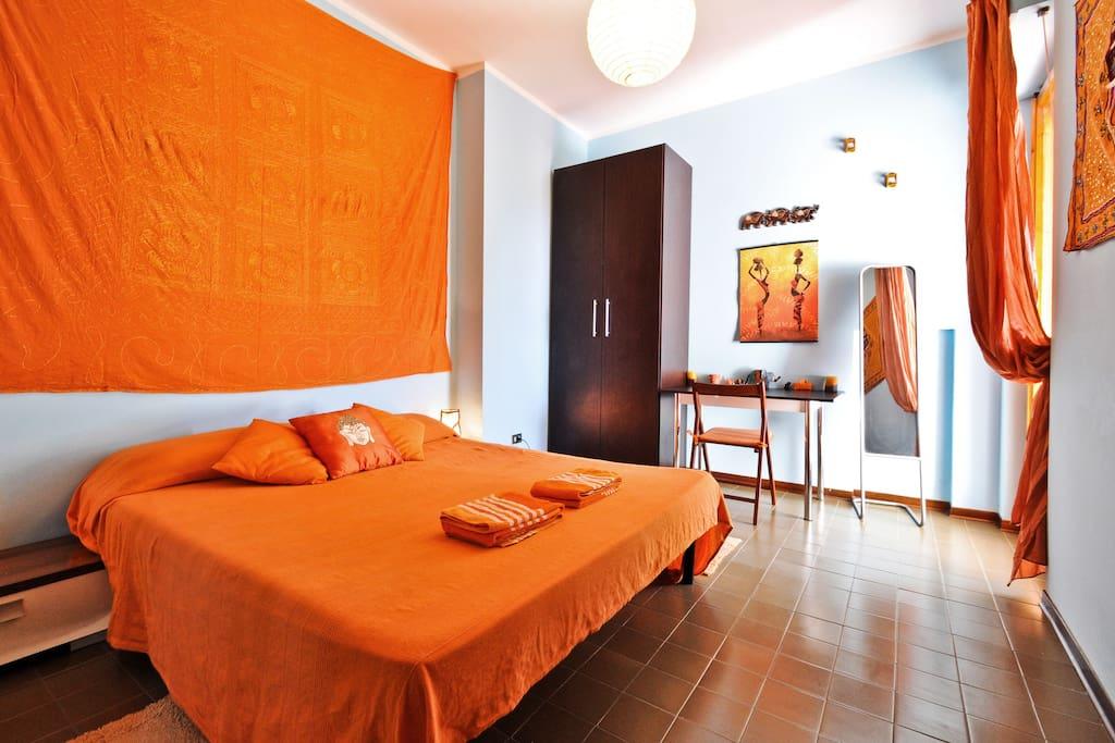 Asteroidea orange room seaview chambres d 39 h tes louer for Chambre d hote sardaigne